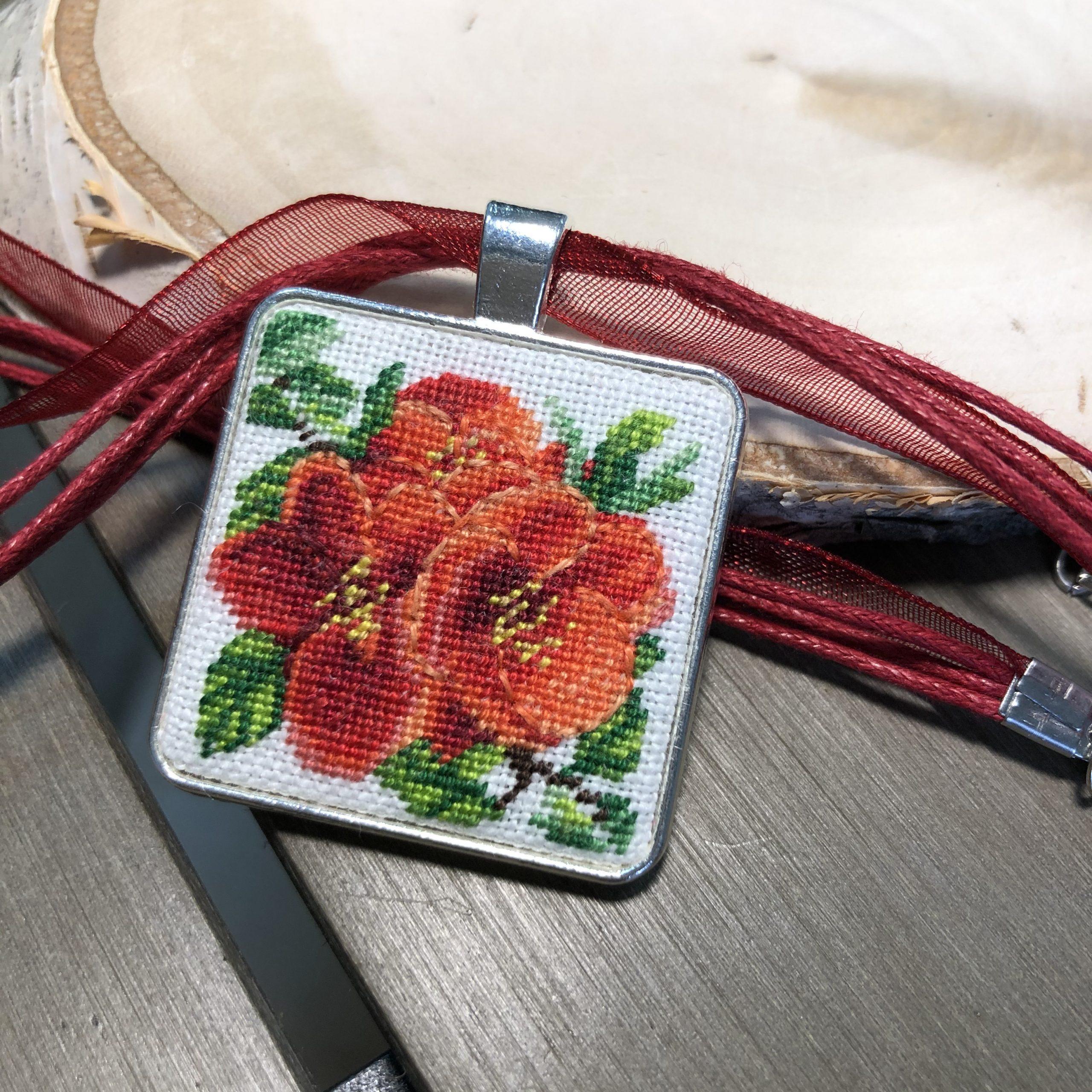 "Pendant ""Pomegranate flower"""